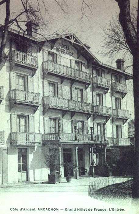 Entrée Hôtel de France