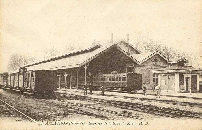 Intérieur de la gare