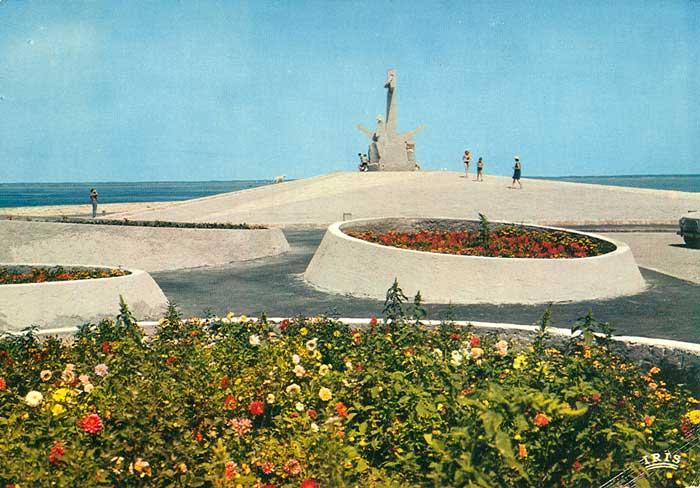 Monument Péris en mer