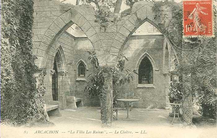 Cloître de la Villa les Ruines